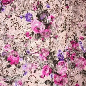 Floral lace Shirley
